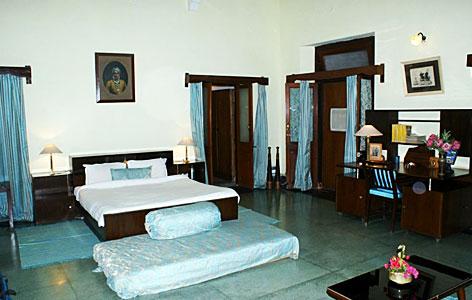 Bedroom of Bhanwar Vilas Palace, Karauli